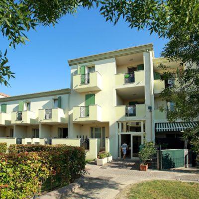 Residence Robinia / Pinetine****
