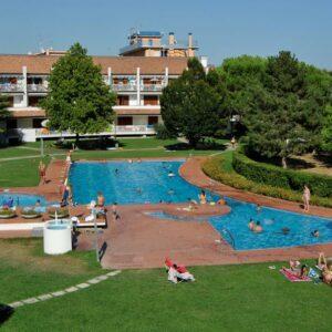 Villaggio Selenis***