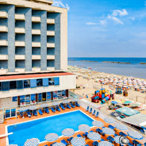 All Inclusive Light + 2 Osoby ZDARMA V Hotelu Majestic***