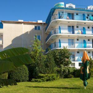 Hotel Elvira**